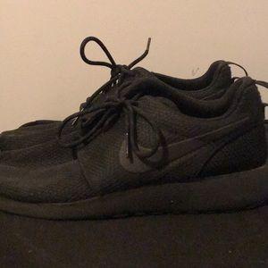 Nike Shoes - All Black Nike Roshe